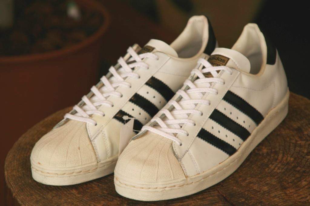 DEAD STOCK 70s' adidas SUPERSTAR GOLD